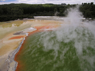 Photo by Scott Haefner: wai-o-tapu01